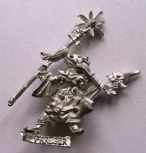 Recherche figurine eldar (vieille référence) 572px-Necromunda-Farseer